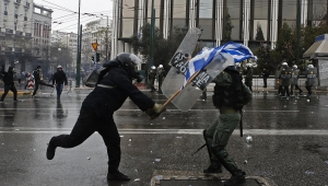 Yunanistan'da 2 Türk gözaltında iddiası
