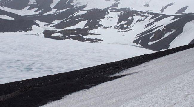 Antarktika'da Thwaites Buzulu'nun altında devasa boşluk keşfedildi