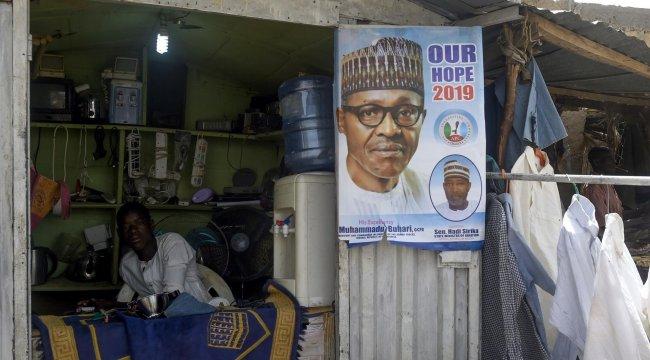 Nijerya'da devlet başkanlığı seçimi ertelendi