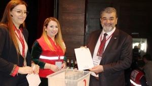 Türk Kızılay Küçükçekmece Şubesine Rafet Orhan seçildi
