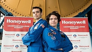 İki Türk Öğrenci ABD'de Uzay Kampına Seçildi